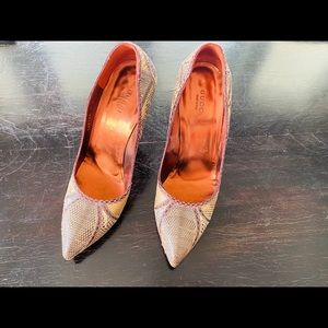 Authentic Gucci animal skin heels size 7B